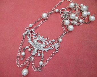 Perfect for a wedding. Crystal and Pearl necklace.