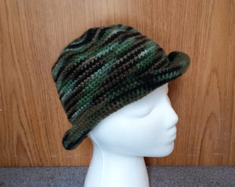 Camouflage crochet hat with brim