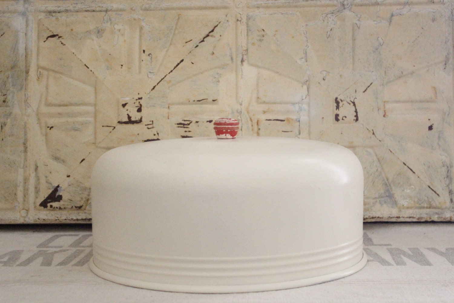 Shabby Chic Metal Cake Stand With Lid