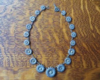 Filigree Flowers // Vintage Flower Necklace - Stunning