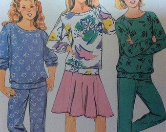 Butterick 3999 fast and easy size 7, size 8, size 10 girls tracksuit pattern, skiry pattern, stirrup pants, ski pants 1980s funky sewing