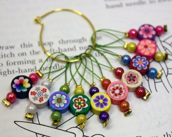 10 Knitting stitch markers round flowers
