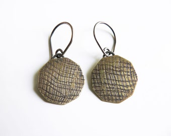 brass earrings,bronze earrings, industrial jewelry, rustic earrings, metalsmith jewelry, lucia laredo joyas, metalwork earrings