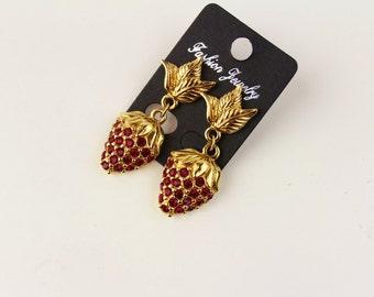 Reserved for Olga ******************Avon STRAWBERRY Ruby Rhinestone Dangle Pierced Earrings 1995 #850