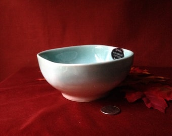 Vintage Collectible Dryden Glazed Pottery Made In Arkansas Aqua and White Soup Bowl