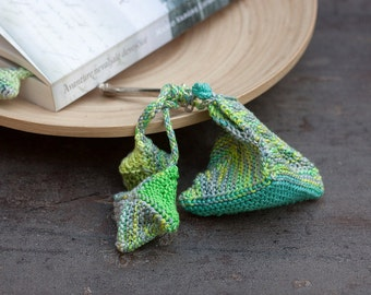 Geometric keychain, fiber keychain, knitted keychain, knitted accessories, green gray yellow, OOAK