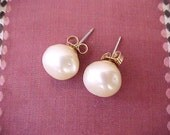 Elegant Vintage Baroque Pearl and 14K Gold Earrings for Pierced Ears