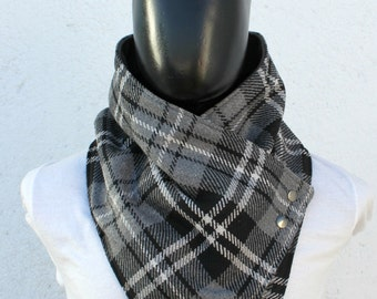Unisex cowl, blanket scarf.  Mens cowl scarf. Plaid cotton blend in grey, black and white with metalic snaps . Mens winter. Husband gift.