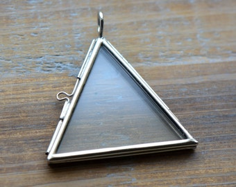 SILVER Glass Frame Pendant TRIANGLE Shape Double Sided Glass Hinged Locket Picture Frame Pendant Charm Jewelry Pendant (BD014)