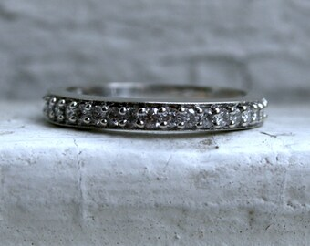 Vintage 14K White Gold Pave Diamond Ring Wedding Band - 0.75ct.