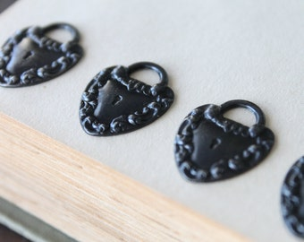 Vintaj Kept Heart Pendants (4) - 21x17mm - Romantic - Blackened Brass - Arte Metal - Heart Locket