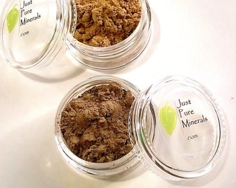 Natural Brow in Blonde, Brunette, or Light Brunette- 3g powder in jar with rotating sifter