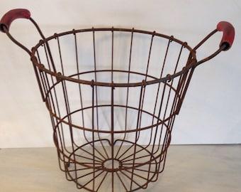 Vintage Metal Wire Egg Basket Rustic Primitive