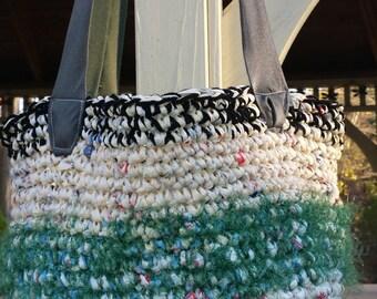 Green Tote Bag, Black Tote Bag, Shoulder Bag, Gifts under 25, Gifts for Women, Winter Bag, Eco Friendly Tote Bag, Diaper Bag, Yoga Gym Bag