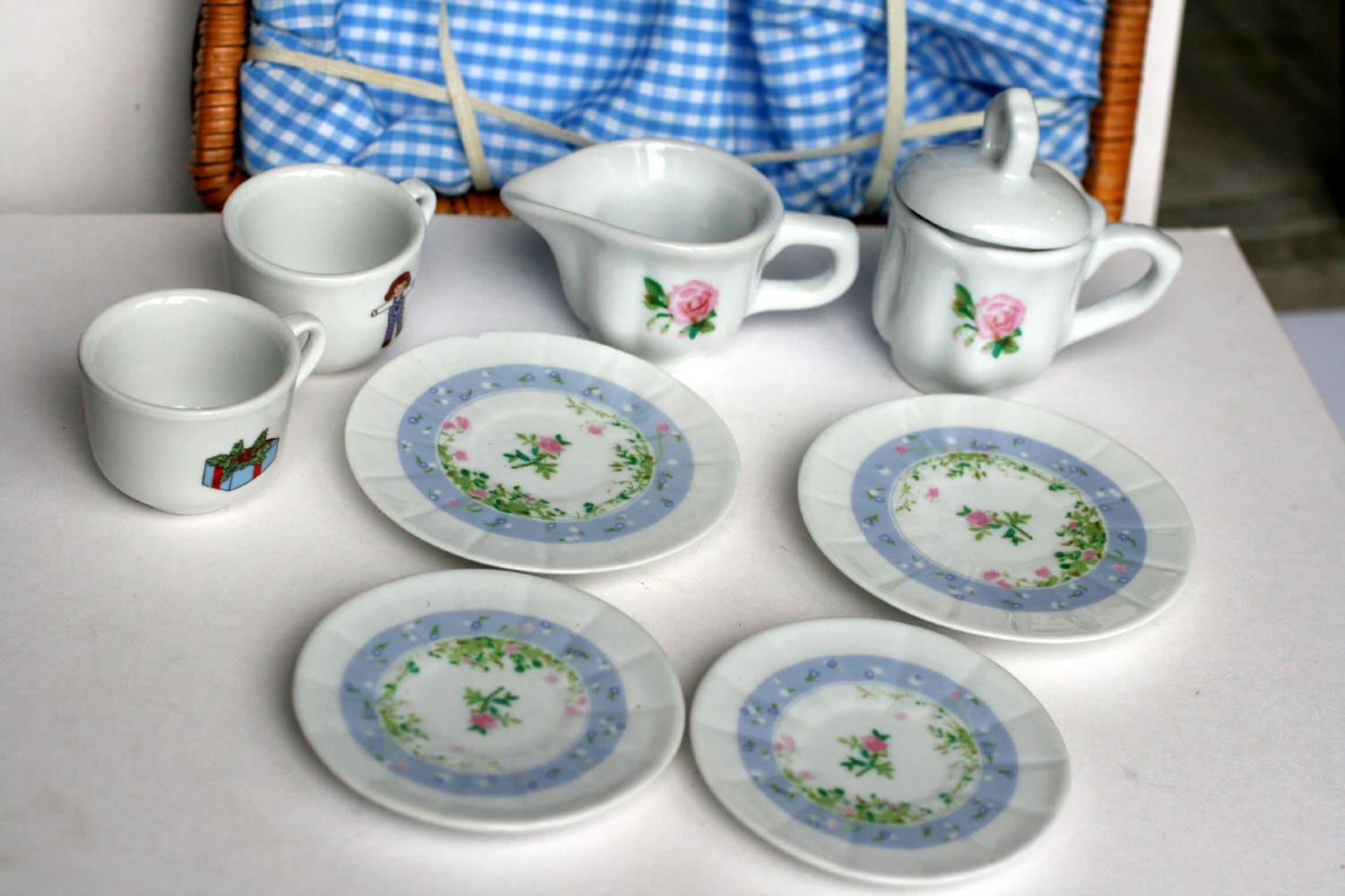 Picnic Basket Dish Set : Vintage childs play picnic basket with china dishes by