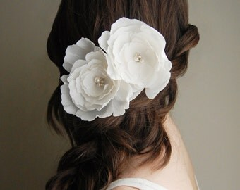 Bridal Hair Flowers, Bridal Hairpiece, Ivory Silk Flowers