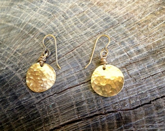 QUINNA: tiny circle earrings, gold coin, coin earrings, circle earrings, prom jewelry, bridal jewelry, fashion jewelry, geometric jewelry