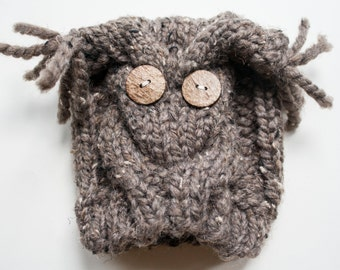 Cable Knit Baby Owl Hat - Wood Buttons - Choose your Own Color
