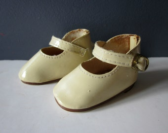 Vintage french doll shoes - Mid century