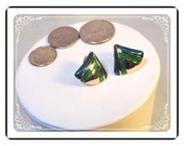 Avon Green Earrings -  Pyramid Triangle Clip-on Earrings   E220a-04081200