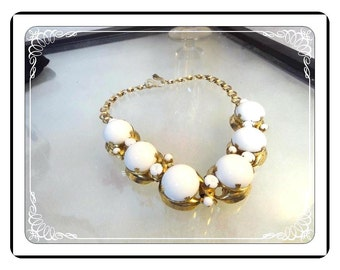 Chunky Runway Necklace -  Milk White Glass with Book Chain   -   Neck-1308a-060913020
