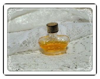 PRINCE Matchabelli Perfume - Vintage  Miniature MINI Perfume Bottle PF1914a-032313000