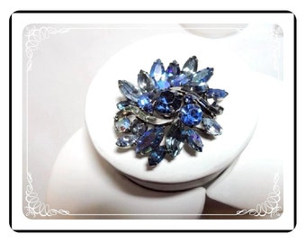 Weiss Blue Brooch - Wonderful Vintage  Pin-1520a-052412000