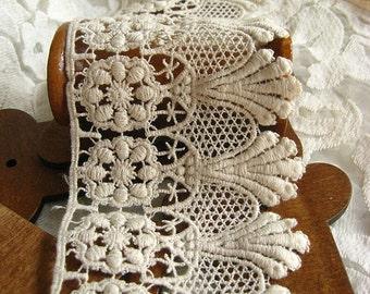 cream cotton lace trim , crochet cotton lace, retro scalloped trim lace, crafting supplies
