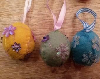 Set of 6 felt easter eggs