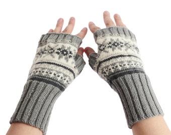 Hand-knit arm warmers from 100% merino yarn