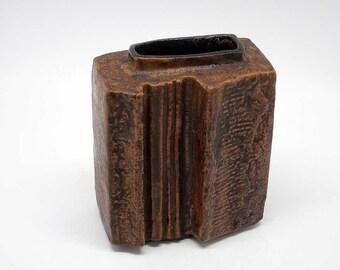 Studio ceramic vase by Helmut Schaffenacker (form number V88)