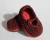 Crochet Baby Booties Mary Jane Skimmers Organic Baby Girl Slippers Brown and Coral Crib Shoes Newborn
