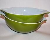 Pyrex Bowls, Set of Two Large Bowls, Pair of Pyrex Mixing Bowls, Green 4 Quart Vintage Mixing Bowls, Wedding Gift, Mid Century Mod, Kitchen