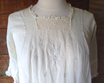 Authentic RARE Victorian Era Embroidered Gauzy Cotton & Crochet Lace Blouse