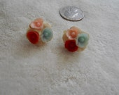 Vtg Clip On Earrings-Dainty Plastic Flowers-C2724