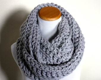 THE LYNX - Chunky Infinity Scarf, Wool Blend, Crochet Infinity Scarf / Silver