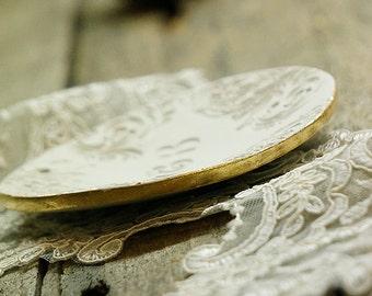 Wedding ring bearer, Customised wedding bearer,Vintage Ring Bowl,Initiales ring pillow,gold leaf dish