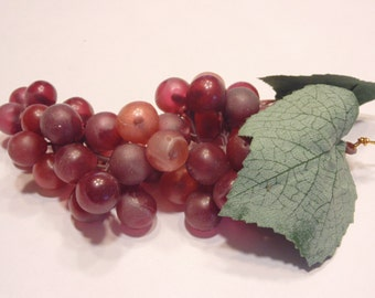 cluster of dark red grapes, 150 mm long (BR15)