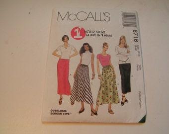 McCalls Pattern 8716 1 hour skirt Miss Pull On Skirt