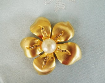 Large Vintage Flower Brooch, Pearl Center, Crystal Accents, Dogwood, Brushed Gold