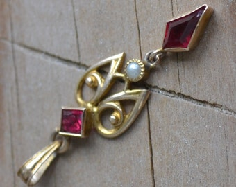 Lovely antique edwardian art deco 10k gold lavalier pendant with garnet paste and pearl