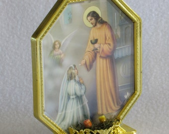 3-D Holy First Communion Picture in Frame - Angel - Jesus Blessing Girl Kneeling at Alter - Religious Memento Vintage Home Decor