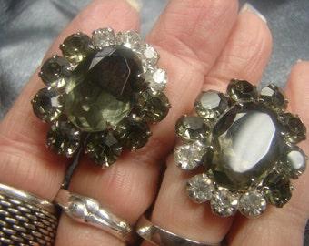 Smokey Gray & White Rhinestone Clip On Earrings 995.