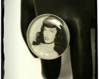 Bettie Page Adjustable Resin Ring
