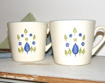 Pair of Vintage Retro USA Coffee Mugs, Botanical Design, Teal Accent, Made In The USA