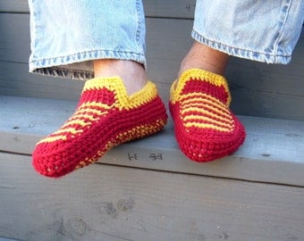 USC trojans slippers, for the game, trojans funs, for him or her, USC slippers,  yarn shoes, men slippers, football slippers, house slippers