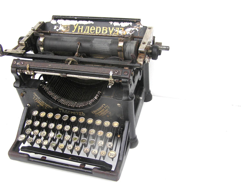 1905 Antique working typewriter Underwood black gorgeous home