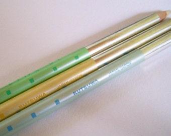 Kutsuwa Line Up Pencil 80s Kawaii Metallic Pencil in Blue, Yellow, Pistachio