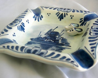Delft Cobalt Blue & White Personal Size Ashtray   Marked 39 DELFTS HANDWERK   Vintage