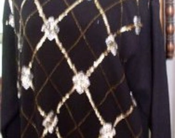 Vintage Black Gold Silver Sweater Soft & Comfy Oversize    Beaconhillcollect  We Ship Internationally